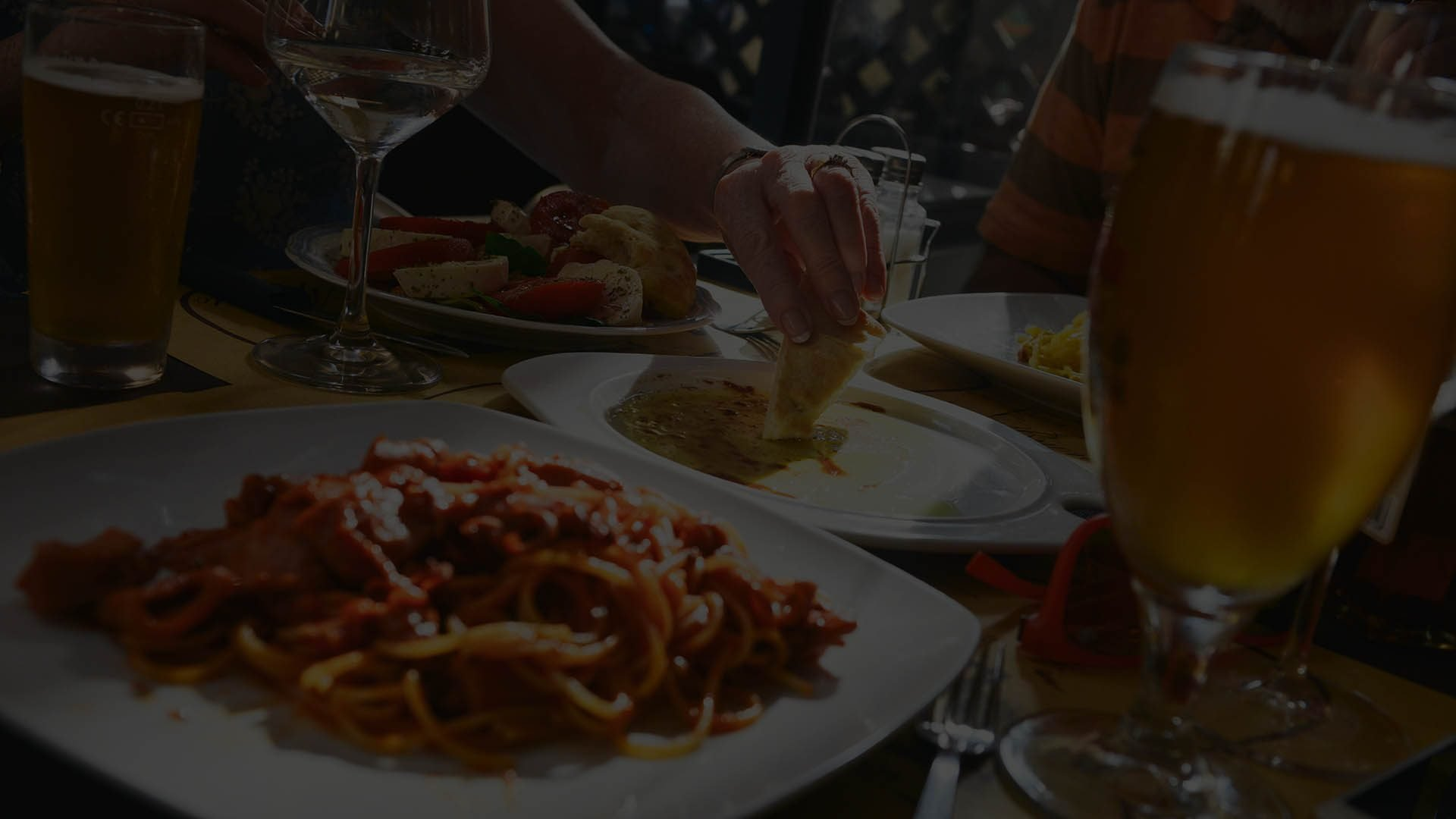 Sunset Lodging Brings You A List Of Our Favorite Restaurants In Sunriver  With Dining Discounts.