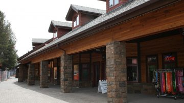 Shopping in Sunriver on Small Business Saturday