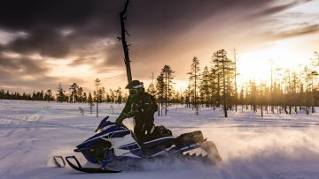 Snowmobile rentals and tours in Sunriver and Bend