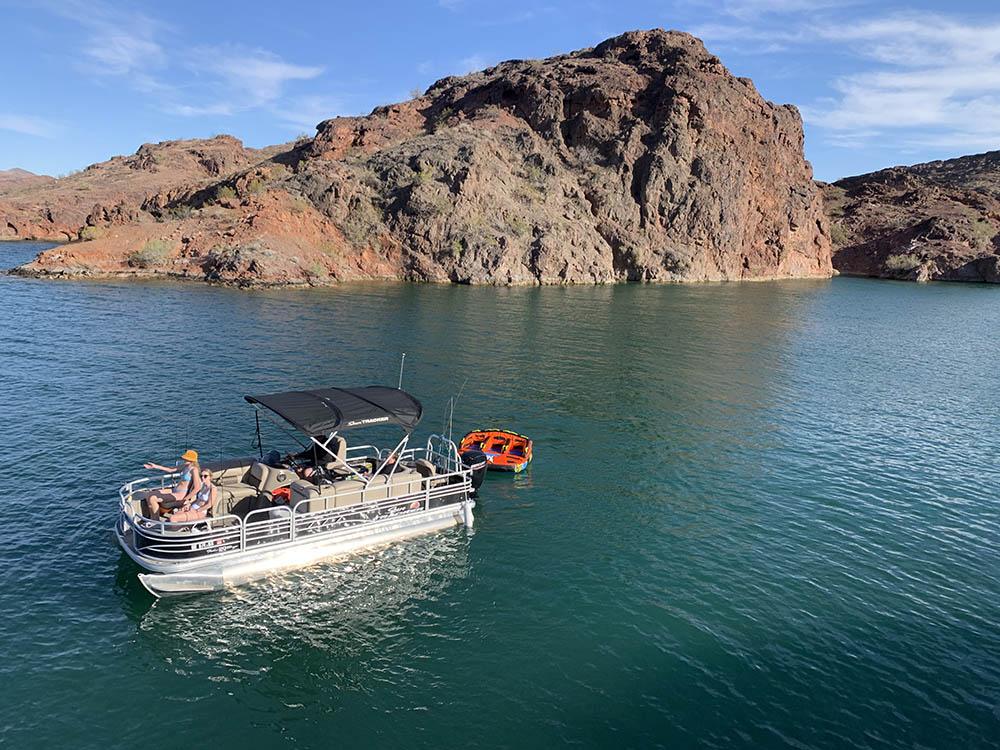 wickiup pontoon boat rentals